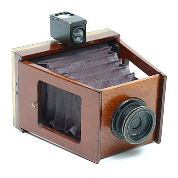 Shew Xit Wooden Strut Camera, late 1890s to early 1900s