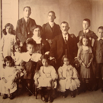 A Chilean family, 1910 - Photographs