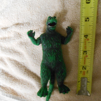 Rubber Godzilla 1978 toho co. Ltd. 5 inch figure (7 with tail)