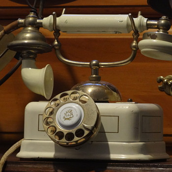 1925 A.B. L.M. Ericsson & Co. Telephone