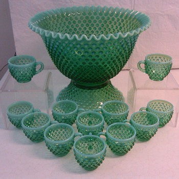 STUNNING AND VERY RARE FENTON EMERALD GREEN OPALESCENT HOBNAIL 15 PC PUNCH SET [1980's]