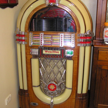 Wurlitzer 1015 bubbler 78 rpm Jukebox