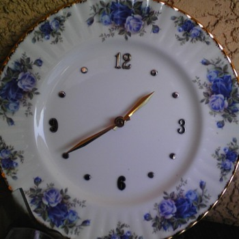 midnite tea rose clock - China and Dinnerware
