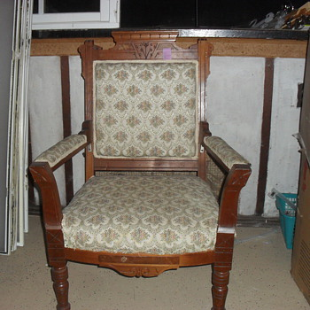 Vintage Arm Chair - Furniture