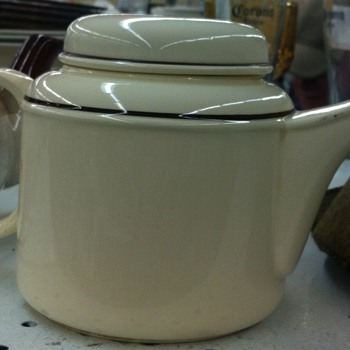 Art Deco tea pot.