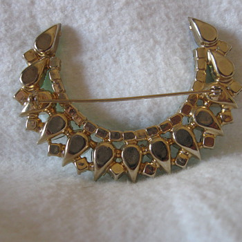 Antique - vintage Emerald Pin - Costume Jewelry