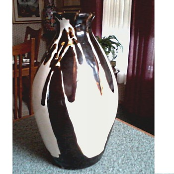 Chinese Shiwan Pottery Brown and White Drip Glaze Bottle-Vase /Impressed Mark/ Unknown Age and Maker - Asian