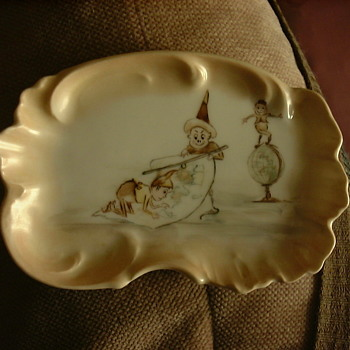Vintage cartoon ashtray T&V stamp on bottom - Pottery