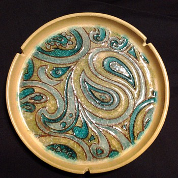 "Vohann Pottery ""Kaleidoskope"" Ashtray - Tobacciana"