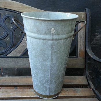 MADE IN SLOVAKIA GALVANIZE FRENCH POT