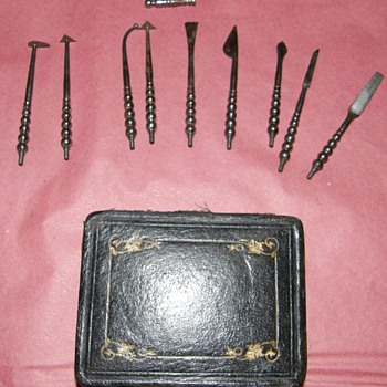 1700's Dentistery set ,iron tools in maroquin case