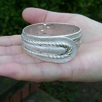 Trifari Bracelet - Costume Jewelry