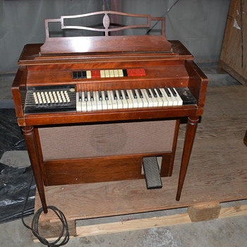 Prototype Wurlitzer Organ 400o Single Keyboard