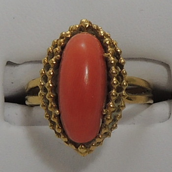 18k Gold Ring with Pink Coral  - Fine Jewelry