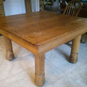 Can you please help me identify my kitchen table?