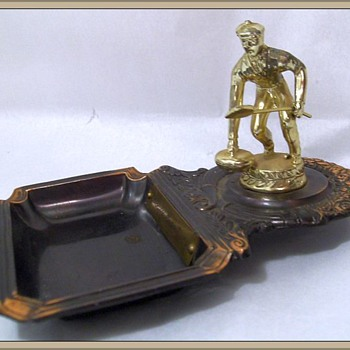 1961 - Ashtray and Trophy ( Curling )