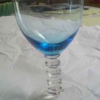 Need help identifying this glass - Glassware
