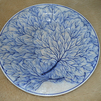 Blue-white majolica plates - Art Pottery