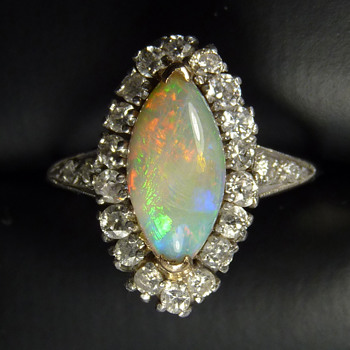 American Art Deco Platinum & Diamond Ring w. Marquise Shaped Opal - Art Deco