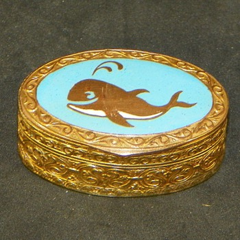 "1.5"" Turquoise Inlay Whale Motif Trinket/Pill Box"