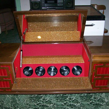 1949/1950 LIONS STEREO SYSTEM - Radios