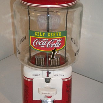 1950&#039;s Acorn gumball machine