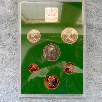 U.K. Coin sets from 1970/5/6. - World Coins