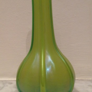 Ribbed uranium posey vase - Bohemian Art Nouveau - Art Glass