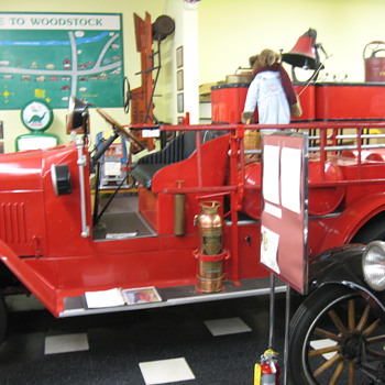 Old fire truck.. - Firefighting