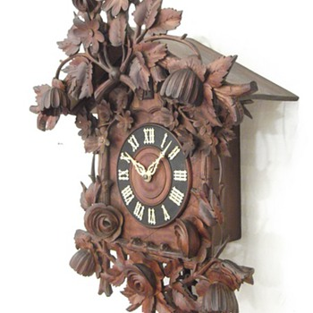 Magnificent carved floral antique cuckoo clock.  Ca 1880.  AMAZING!  - Clocks