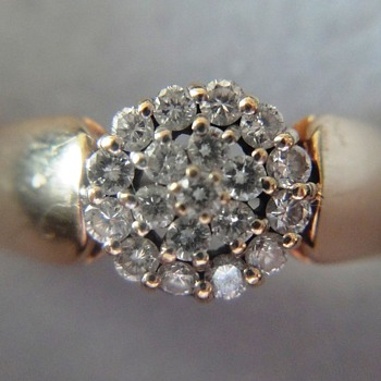 Fine 14k yellow gold diamond ring