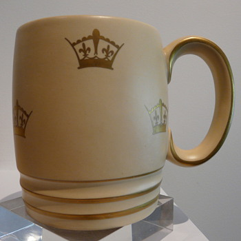 GRAY'S POTTERY CORONATION MUG 1937