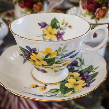 Royal Albert Tea Cup & Saucer - China and Dinnerware