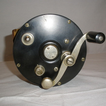 Help Identifying Vintage Edward Vom Hofe Reel