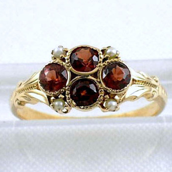 Signed WWW- White Wile & Warner Edwardian 14k gold garnet pearl ring
