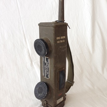 1940's US Army World War II WW2 Hand Held Walkie Talkie Wireless Communication Device