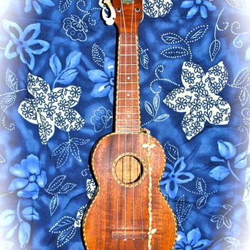 "Early 1930's Kamaka ""Special Concert Size"" Ukulele - Guitars"