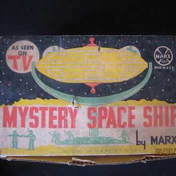 Early 1960&#039;s Louis Marx Mystery Space Ship Play Set With Original Box