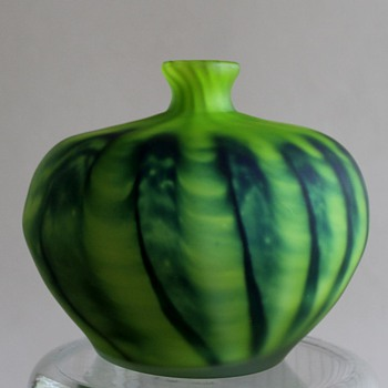 The Jam Melon Vase by Kurata (Joetsu Crystal) Japan - Art Glass