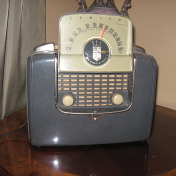 Grandpa&#039;s Zenith radio