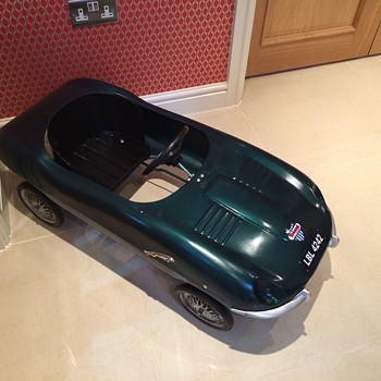 Triang E Type Jaguar 1961 - Toys