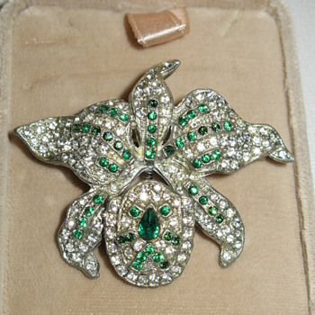 Fun Orchid Trembler from the 40's - Costume Jewelry