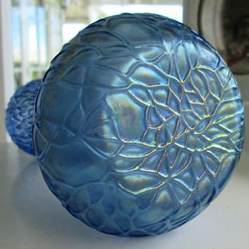 Kralik Martele Violet  Blue Vase