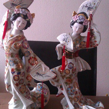 Two geisha's