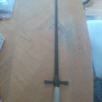 a sword I found have no ideal what it is - Military and Wartime