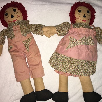 Primitive Raggedy Ann and Andy Dolls - Dolls