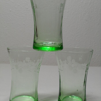 3 oz Etched Green Tumblers