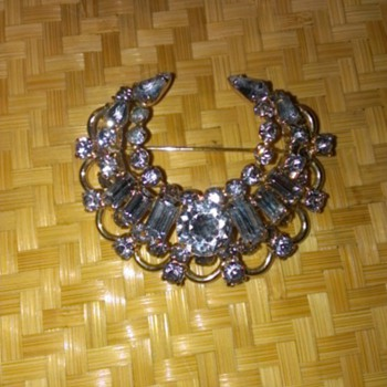 Kramer of New York blue rhinestones brooch/pin