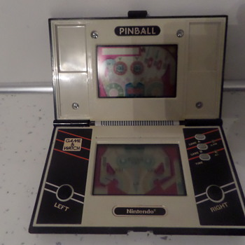 Nintendo Pinball Game and watch