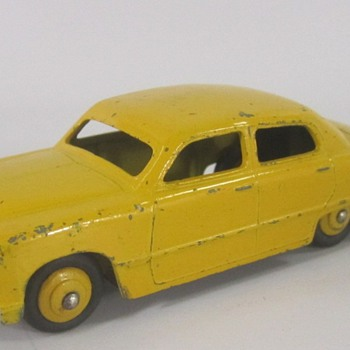 Dinky 1949 Ford Sedan  - Model Cars